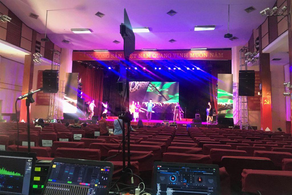 Nguyễn An setup âm thanh-ánh sáng tại học viện báo chí /nguyenanevent