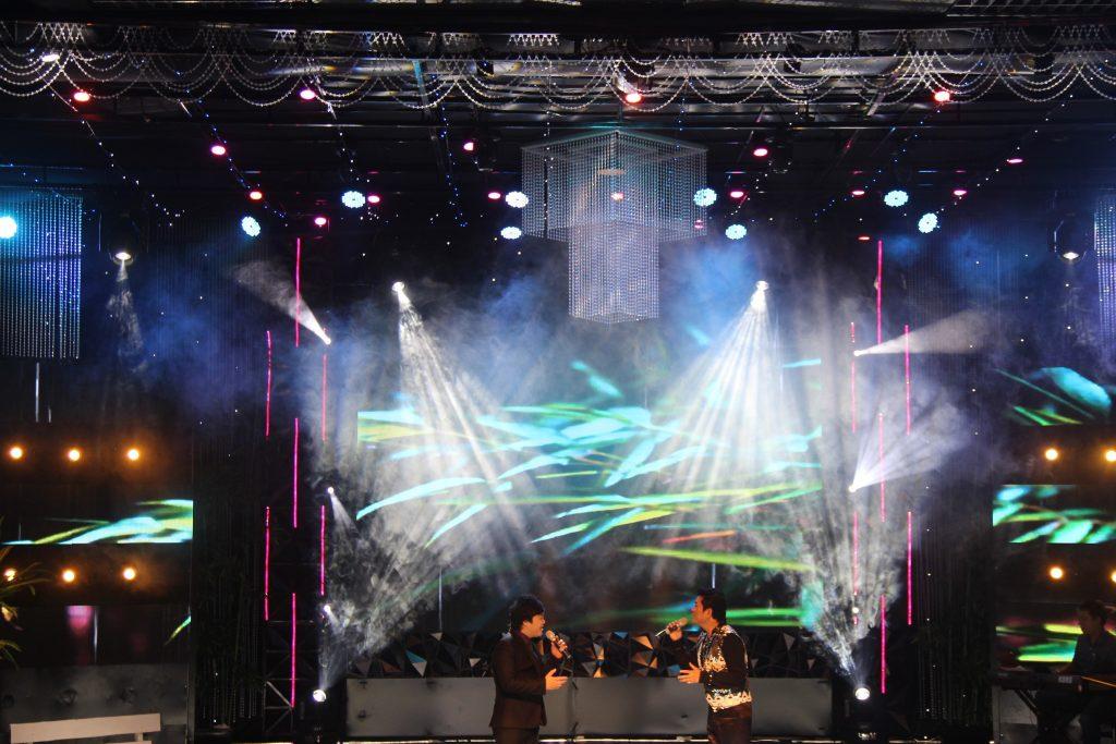 Công ty Nguyễn An setup đèn sân khấu ghi hình 465 Hoàng Hoa Thám /công ty sự kiện Nguyễn An
