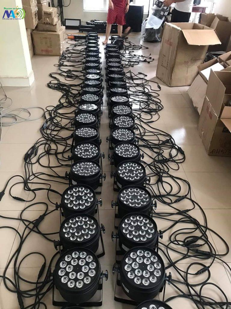 Đèn par led 18x10w/công ty nguyễn an